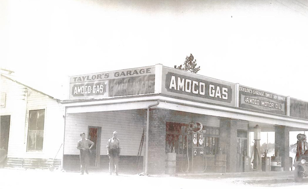 Taylor's Garage: Lost to highway improvements in 1966
