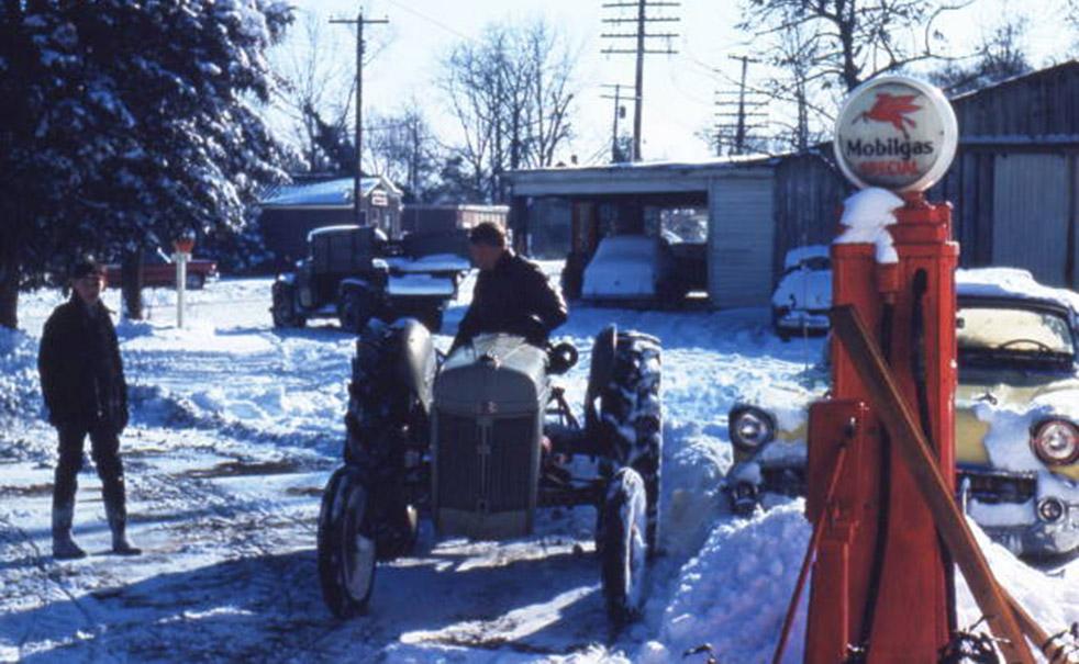 Taylor's Garage in 1959